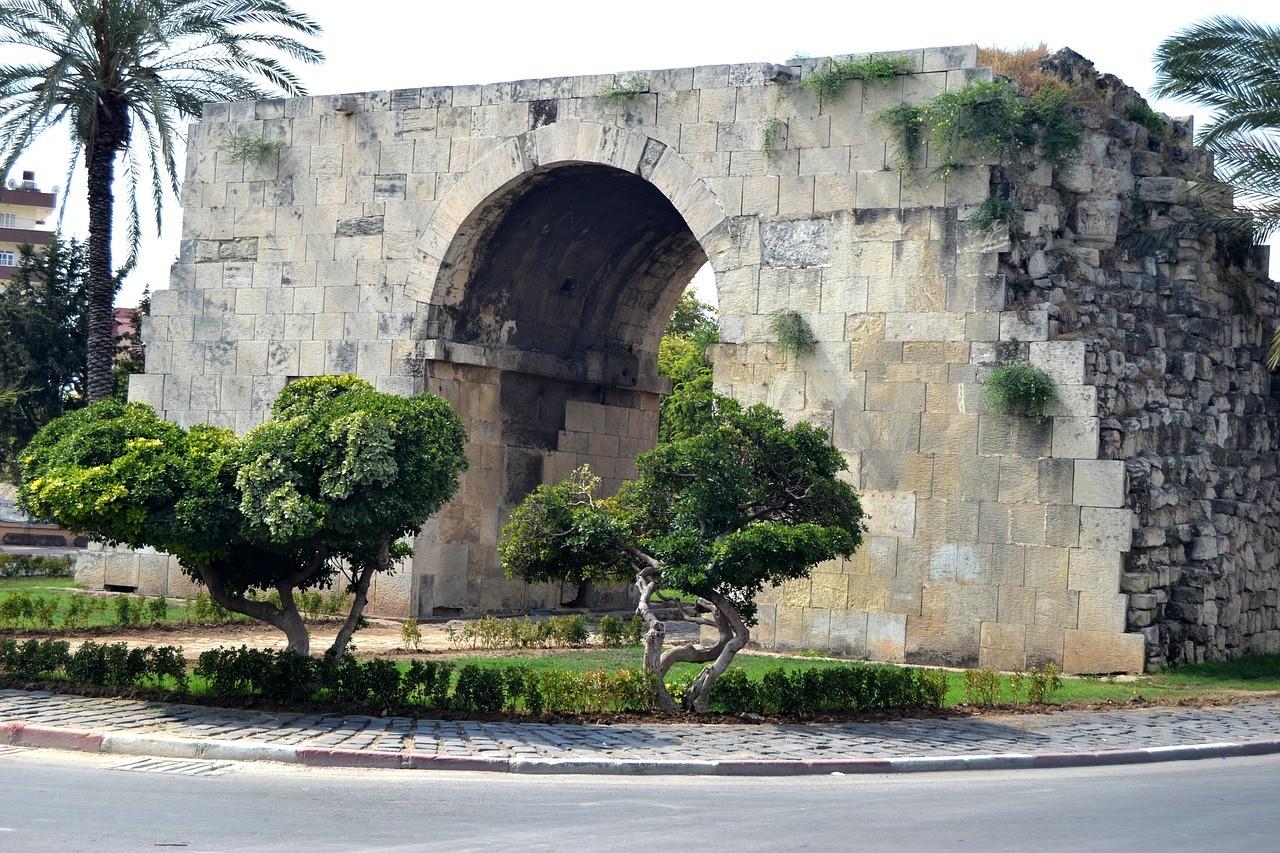 Tarsus Kleopatra Kapısı - Tarsus Gezi Rehberi